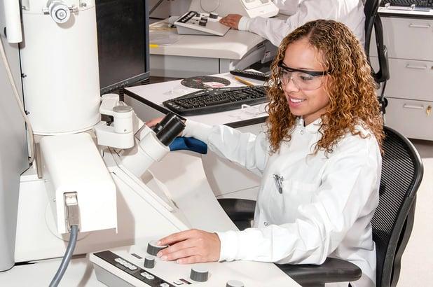Lääkinnällisten laitteiden ohjelmistojen suunnittelu lääkintälaiteasetuksen (MDR) mukaisesti – Osa 4: Lääkinnällisten laitteiden ohjelmistojen elinkaariprosessit